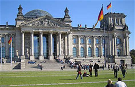 seit wann ist berlin die hauptstadt reisef 252 hrer berlin sehensw 252 rdigkeiten stadtf 252 hrung