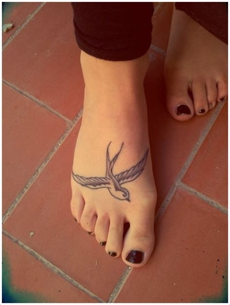 classic swallow tattoo design vintage pics