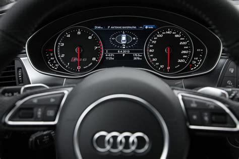 Schnellstes Auto La Noire by Der Tacho 252 Bertreibt Nicht Der Audi Rs6 Ist Bis Zu 305 Km