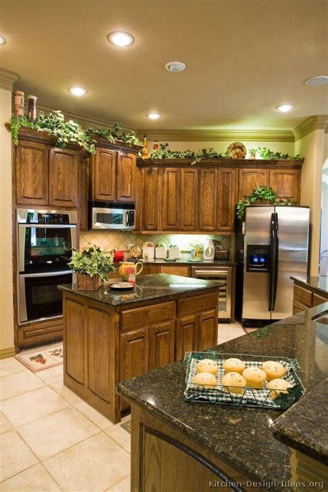 medium brown kitchen cabinets medium brown kitchen cabinets 28 images pictures of