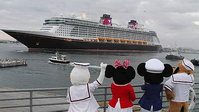 disney dream pictures: disney cruise line's newest ship