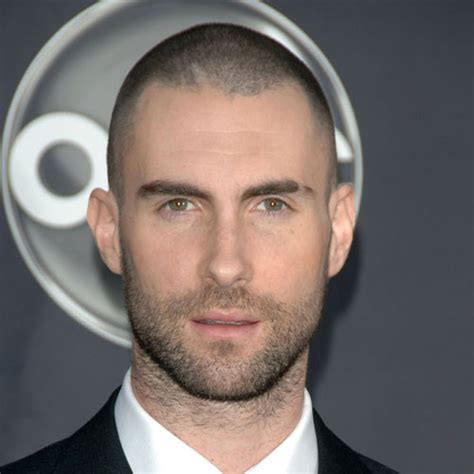 how to hair style your hair like adam levine coolest men celebrity short haircuts men s hairstyles