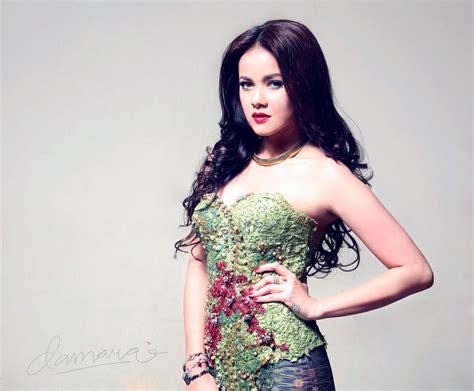 Kebaya Rosela Pink 17 best images about tis artis indonesia on