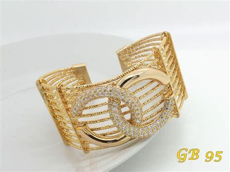 Gelang Branded model perhiasan channel pusat perhiasan branded indonesia