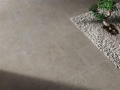 pavimenti stati per esterni pietra jura coem ceramiche e piastrelle in gres