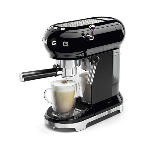 koffiemachine smeg espressomachines ecf01bleu smeg smeg nl
