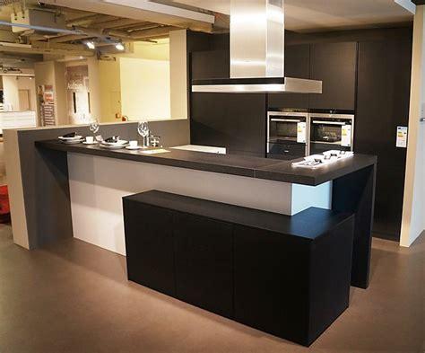 küche mit tresen wohnzimmer design schwarz wei 223