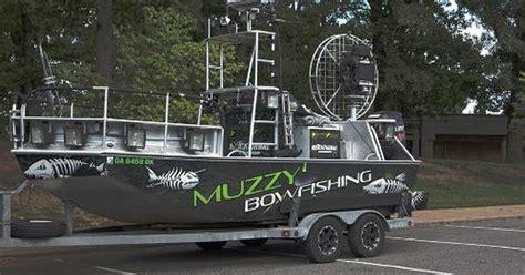 gator tail bowfishing boat carp bowfishing boats will be better if you beautify the