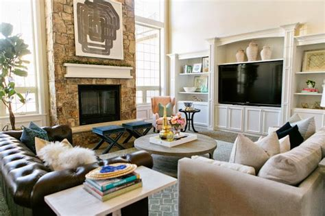 layout   living room fire place  windows   side built ins