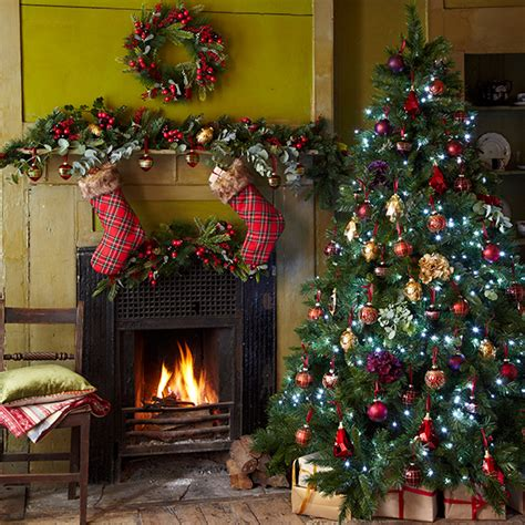 traditional christmas decorations to make tree decorating ideas how to decorate your tree housekeeping