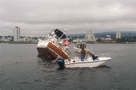 boat lettering nanaimo boat runs aground on a reef in nanaimo harbour nanaimo