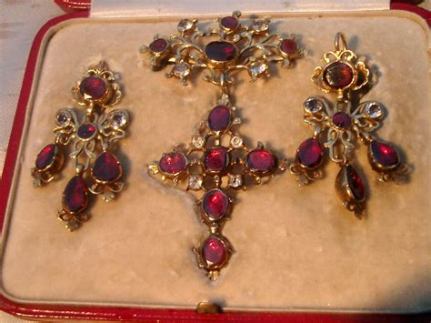the of jewelry the jewelry the history of earrings part i ruby