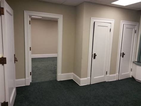 what color carpet with sage green walls carpet vidalondon hunter green carpet