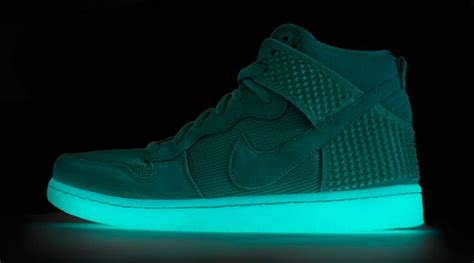 Nike Glow In The nike dunk high green glow in the sneaker bar detroit