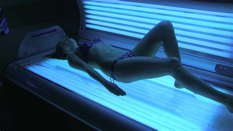tanning bed while pregnant naked girls in tanning beds