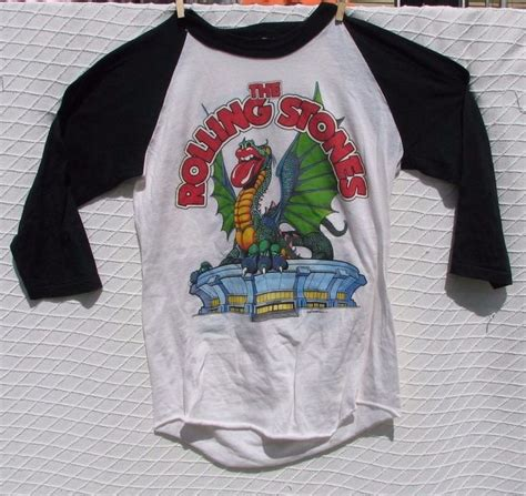 Kaos Kece Funky Cold Medina T Shirt Tone Loc Retro Rap Hip Hop 80s Con rolling stones vintage 1981 thorogood boulder co