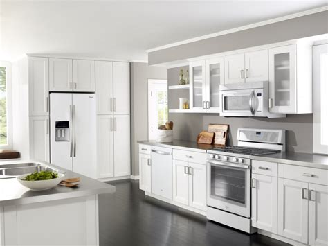 pictures of kitchens with white appliances my dream kitchen the whirlpool white ice collection