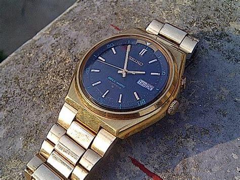 Merk Jam Tangan Pria Kelas Menengah jam tangan kuno antik dan modern jam kuno istimewa seiko bellmatic hexagonal gold plated