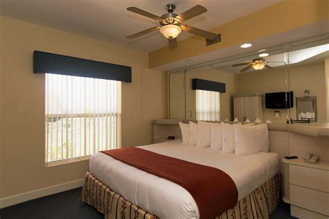 3 bedroom resorts in orlando fl suites accommodate up one bedroom villa westgate town center resort spa in
