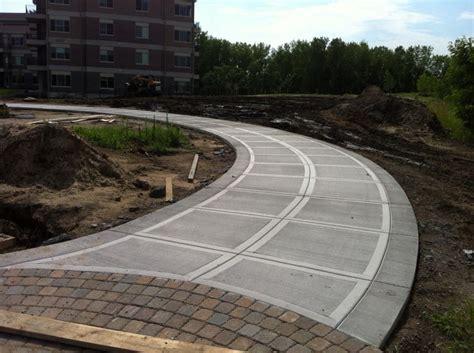 concrete driveway  california style finish