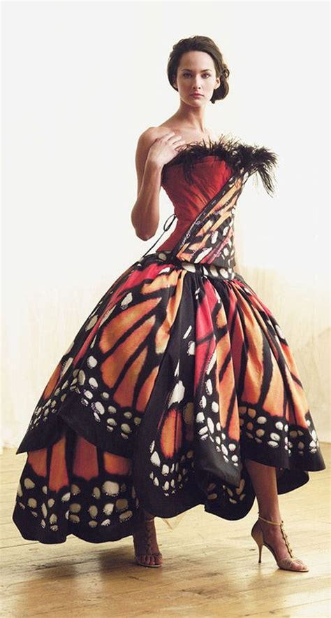 Buterfly Dres how can i paint a monarch butterfly onto a polyester wedding dress all about dyeing q a