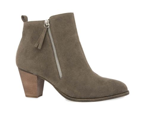 penneys boots 10 things to buy in penneys right now that are completely