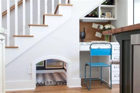 Lemari Meja Kerja Bawah Tangga ide pemanfaatan ruang bawah tangga jual apartemen