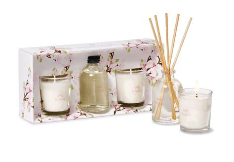 Candle Gifts Give A Smile To Someone Today With Cool Candle Gifts In