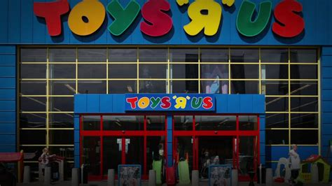 How Long Are Toys R Us Gift Cards Valid For - goodbye childhood toys r us announces closure social media gets nostalgic