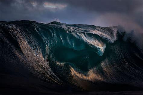 imagenes asombrosas tumblr mountains of the sea photographer freezes waves to make