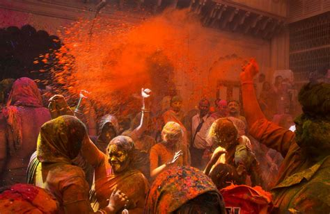 festival of colors books 17 colorful photos of the holi festival business insider