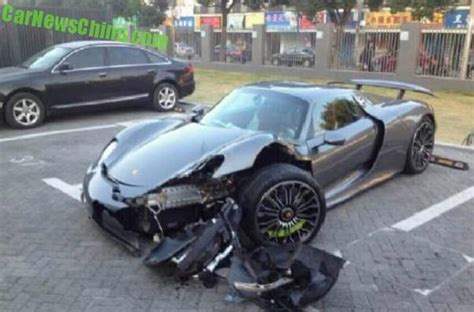 porsche 918 crash porsche 918 spyder crashes in china driver may have been