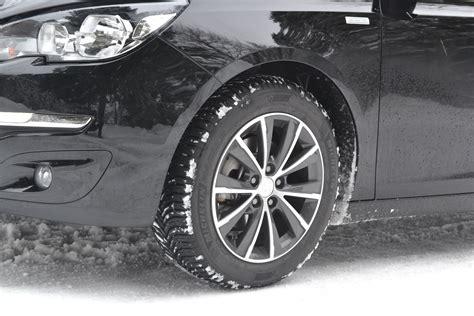 Ban Bridgestone Uk 17 225 65 pneu 4 saisons michelin pneu michelin alpin a4 pneus