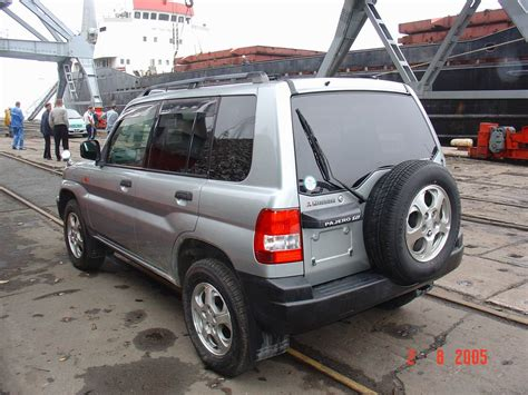 repair voice data communications 2001 mitsubishi pajero electronic throttle control service manual how to remove headliner 1998 mitsubishi pajero how to remove headliner from a