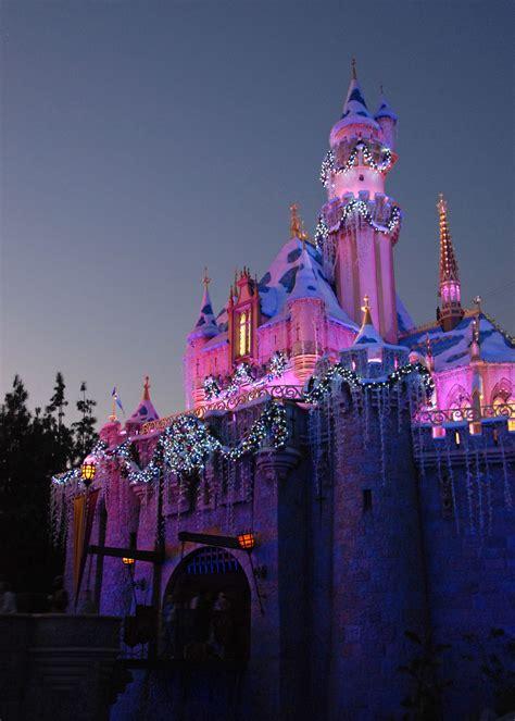 mouseplanet christmastime   disneyland resort  frank anzalone