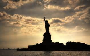 freiheitsstatue le statue of liberty wallpapers hd widescreen desktop