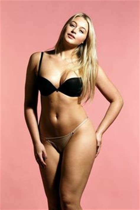 10 reasons why men like curvy women   herinterest.com/