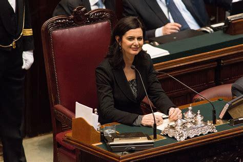 donne scosciate in ufficio la boldrini dal presidente della repubblica sergio