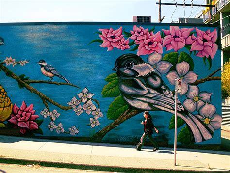 Amazing Mural Apartments #3: Bird-mural-02.jpg