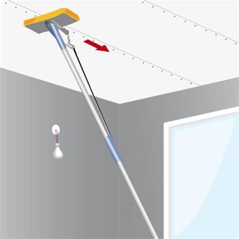 Comment Enduire Un Plafond En Placo by Jointoyer Les Plaques De Pl 226 Tre D Un Plafond Plafond