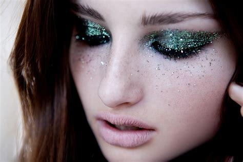 Make Up Glitter Una Pioggia Di Glitter Per Make Up Luccicanti Unadonna