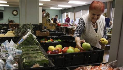 Wheaton Food Pantry by Pantry S Mini Market Brings Grocery Convenience To Wheaton