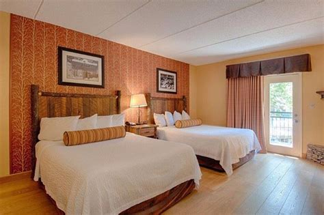 hotels with 2 bedroom suites in gatlinburg tn old creek lodge updated 2018 prices hotel reviews