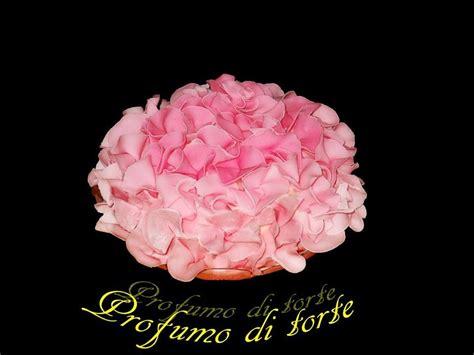 fiori con pasta di zucchero tecnica torta in pasta di zucchero con tecnica ruffle rosa
