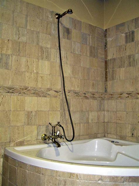 revestimientos para duchas ba 241 o de marmol con travertino decoracion para el ba 241 o