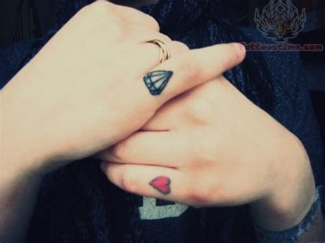 tumblr finger tattoos 56 stylish tattoos on finger