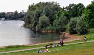 schwimmbad mannheim rheinau unbesorgt im see schwimmen mannheim stadt mannheim