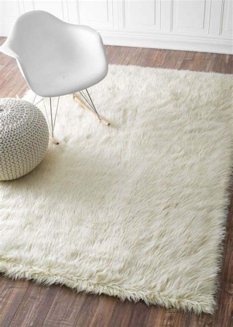 white fuzzy area rug best 25 fuzzy rugs ideas on fuzzy white rug white comforter bedroom and make your bed
