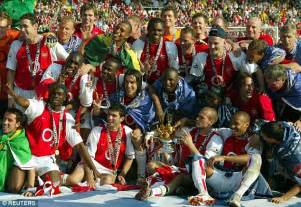 arsenal unbeaten squad arsenal invincibles special tackle keown live your
