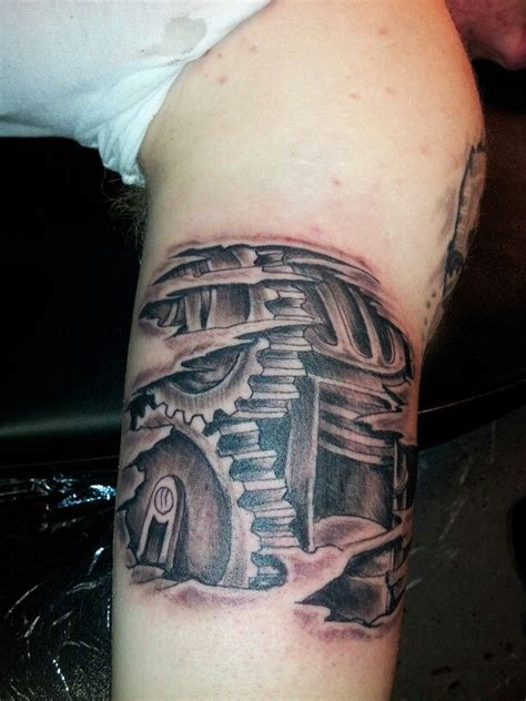 biomechanical tattoo gears biomechanical gears tattoo tattoos by moe pinterest